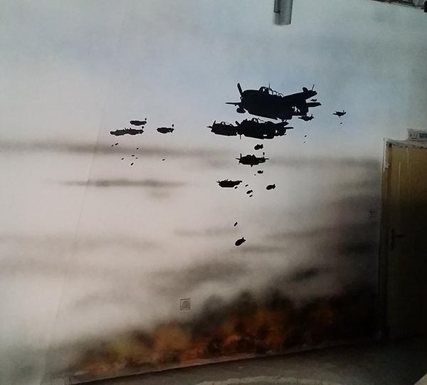 战争主题烧烤店