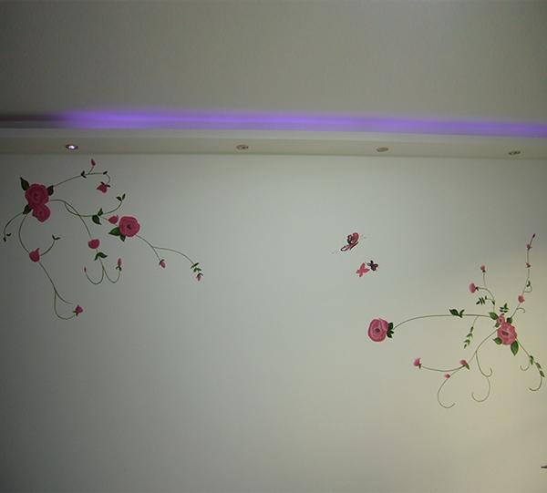 沙发背景墙彩绘